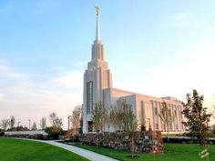 Click to download this wallpaper image of the Twin Falls Idaho Mormon Temple