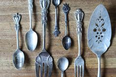 How To Clean Silver With Aluminum Foil & Baking Soda
