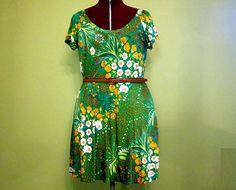 Vintage Green Floral Dress @ http://www.etsy.com/shop/FrequencyVintage