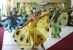 tari merak di pernikahan adat sunda