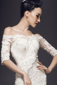 Luxury off shoulder lace wedding dress with sleeves mermaid style