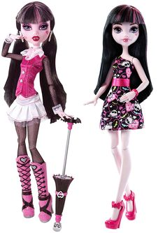 Draculaura old and Draculaura new from Mattel