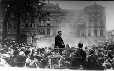 This is NOT Troy! But, I wanted to add this anyway. It's 1912, and Teddy Roosevelt is in Piqua, OH.,on the square giving a speech...WAY COOL!