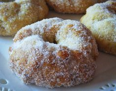 Aisha Kandisha: ROSQUILLAS CÍTRICAS AL HORNO Donut Recipes, Mexican Food Recipes, Cookie Recipes, Hispanic Desserts, Donuts, Mexican Sweet Breads, Spanish Dishes, Cereal, Pan Dulce