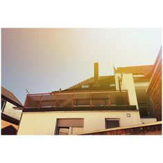 . . . #nature #naturephotography #photography #photooftheday #art #artoftheday #picoftheday #sun #shadow #artstagram #citylife #building #architecture #prespective #oldcity #blue #orange #red #brown #somewheremagazine #anycreativeform #like #likeforlike #instadaily #instalike #mydaily #kleve #deutschland #travel #t http://tipsrazzi.com/ipost/1517785429020846543/?code=BUQQc5eDSnP