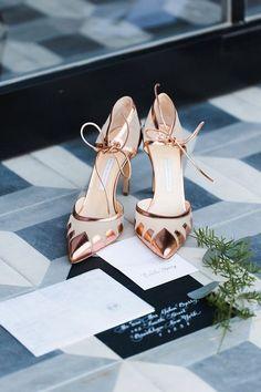 gold wedding shoes via Julia Elizabeth Photography / http://www.himisspuff.com/pretty-wedding-shoes/5/