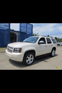 White Diamond Chevy Tahoe