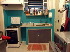 Xeretando casas alheias: a cozinha de boneca da Sany - Casa de Amados
