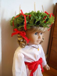 st lucia's day sweden cat | st lucia wreath in time for st lucia day