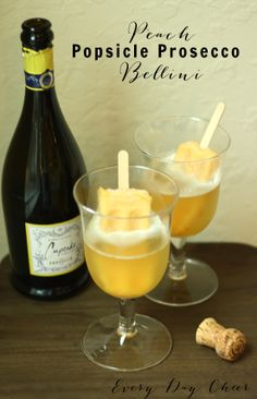 Peach Popsicle Prosecco Bellini - http://everydaycheer.com/2014/04/08/easter-cocktail/