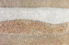 「耐水」の版築風サンプルです。 セメント系のベースに様々な材料を入れて地層のような模様を表現しました。  #hanchiku  #wall #walldesign  #waterproof  #plasterer  #kyoto #japan #左官 #左官職人 #左官技術 #版築 #版築風仕上げ #耐水 #京都