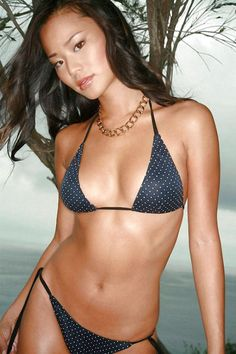 How much do you crank-yankers love this Jamie Chung sexy bikini pic of puss-dom? That itty-bitty sexy petite girl has it going on big-time. Hot Video, Jamie Chung Bikini, Bikini Pictures, Girl Pictures, Black Bikini, Sexy Bikini, Jaime Chung, Blond, Celebrity Biographies