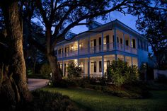 Beautiful 2 story New Orleans Design,