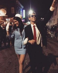 Easy Couple Halloween Costume Ideas: 32 Easy Couple Costumes To Copy That Are Perfect For The College Halloween Party - halloween college - Party Easy Couple Halloween Costumes, Easy Couples Costumes, Original Halloween Costumes, Easy Halloween Costumes, Halloween Outfits, Costumes For Women, Teen Costumes, Halloween Couples, Woman Costumes