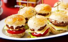 Minihampurilaiset Mini Hamburgers, Cheeseburgers, Childrens Party, Street Food, Sliders, Tapas, Picnic, Goodies, Snacks