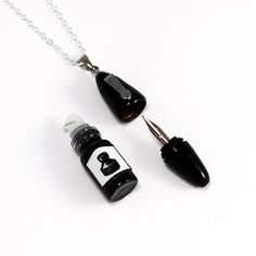 Working Fountain Pen Necklace Fantastic   I never find my pen when I need it