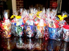 the avengers party ideas. LOVE this idea.using the avengers cups filled with party favors Avengers Birthday, Superhero Birthday Party, 6th Birthday Parties, 7th Birthday, Superhero Party Favors, Superhero Treats, Birthday Party Goodie Bags, Spy Party, Party Favours