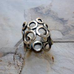 Sterling zilveren Ring, Ring, Ring cirkels, kleine cirkels, zilveren brede Band, instructie Ring, glanzende zilveren Ring, Casual, eenvoudige Ring gehamerd.