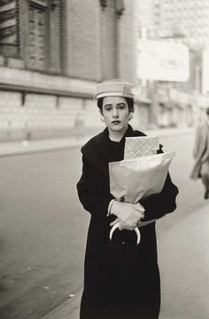 Diane Arbus: Woman with Parcels. New York, 1956.