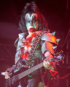 """Newly inducted into the Jackass Hall of Fame -- Gene Simmons of Kiss who feels he's qualified to speak publicly about depression following actor Robin Williams' passing. Mr. Simmons' expert advise is, """"Kill Yourself."""""""