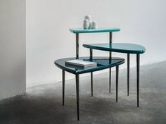 Lacquered coffee table TRIPEDE by BODEMA design Giuseppe Manzoni