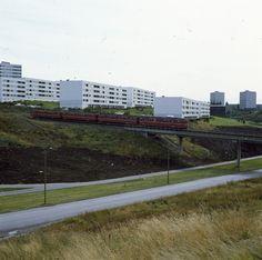 DigitaltMuseum - Stovner med T-banen i fart. Oslo, Sidewalk, Side Walkway, Walkway, Walkways, Pavement