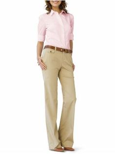 This is a conservative business look! Check out my website for a ton of office style advice! Corporate Attire Women, Office Attire Women, Business Casual Attire, Business Dresses, Business Outfits, Work Attire, Business Wear, Office Wear, Wedding Attire For Women