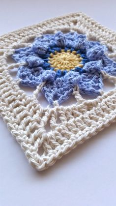 Hi folks :) I have a new free crochet pattern for you today. It's called Pinkie. I designed this square for the latest online collaborative project being organised by insta_yarn_folk for Pi...