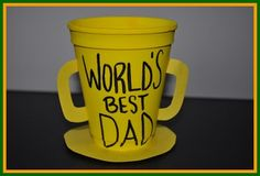 Preschool Crafts for Kids*: Easy Father's Day Trophy Craft Easy Crafts For Kids Fun, Kids Fathers Day Crafts, Fathers Day Art, Toddler Crafts, Gifts For Kids, Crafts Toddlers, Diy Father's Day Gifts, Father's Day Diy, Homemade Trophies