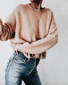 cropped oversized sweater + high-waisted jeans