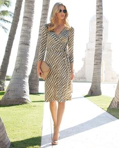 This lovely dress works for the hourglass and the apple. Such understated elegance and a really versatile piece. Great for building a capsule wardrobe.