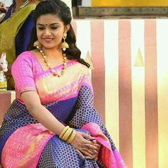Keerthy Suresh Hot, Kirthi Suresh, Buddha Sculpture, Tamil Actress Photos, Beautiful Saree, Saree Wedding, Bridal Portraits, Cute Girls, Sari