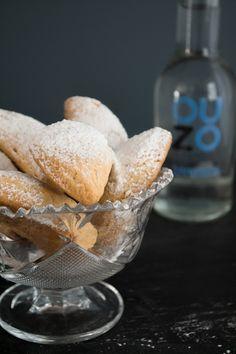 Katades, Sweet Christmas Cookies from Samos - Κατάδες, Κουραμπιέδες Σάμου