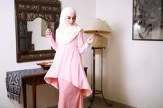 Fish Tail Songket Peach