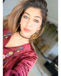 ❤I'm craziest fan of Sonarika❤ ( Beautiful Indian Actress, Beautiful Actresses, Bollywood Hairstyles, Sonarika Bhadoria, Angels Beauty, Beauty Full Girl, Stylish Girl, Looking Gorgeous, Beautiful Eyes