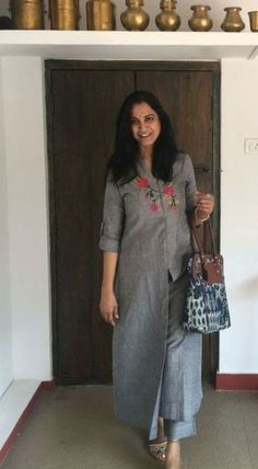 Ideas Dress Outfit Simple Basic is part of Trendy dress outfits - Business Casual Outfits, Chic Outfits, Dress Outfits, Kurta Designs Women, Salwar Designs, Dress Neck Designs, Blouse Designs, Dress Paterns, Kurta Patterns