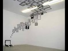 Photo Frames running across walls and ceilings Ceiling Design. Photo Frames running across walls and ceilings The post Ceiling Design. Photo Frames running across walls and ceilings appeared first on Fotowand ideen. Ceiling Design, Wall Design, House Design, Ceiling Art, Design Art, Design Ideas, Vitrine Design, Photo Frame Design, Picture Design