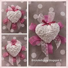 briciole di gioia Salt Dough Ornaments, Clay Ornaments, Salt Dough Projects, Butterfly Clip Art, Fabric Hearts, Craft Markets, Soap Packaging, Lace Bows, Fimo Clay