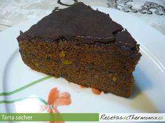 La tarta Sacher es una tarta típica de Austria, compuesta por dos placas de bizcocho de chocolate, rellena de mermelada y recubierta de chocolate, esta cobertura hace que la tarta dure más tiempo. en 1 hora y media tenemos lista una tarta Sacher con thermomix, para 8 personas.