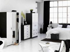 Black and White interior design bedroom - Interior design Bedroom Set Designs, White Bedroom Design, White Bedroom Set, Bedroom Black, Bedroom Ideas, Bedroom Yellow, Bedroom Makeovers, Shabby Chic Bedroom Furniture, Bedroom Furniture Design