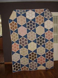 SEVEN SISTER STAR QUILT           PC