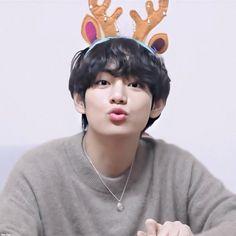 Daegu, Bts Taehyung, Bts Bangtan Boy, Foto Bts, Bts Christmas, V Bts Cute, V Bts Wallpaper, Bts Lockscreen, Bts Pictures