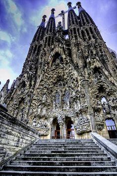 22. Ik ben in september naar Barcelona geweest met school en toen zijn we naar de Sagrade Familia geweest.