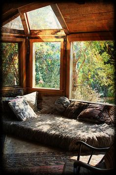 Treehouse Gallery - a collection of inspiring treehouse images | How to build a Treehouse - Best DIY Guide