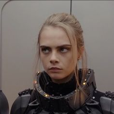 Space Chic Cara - Valerian and the City ov a Thousand Planets Cara Delevingne, Model Outfits, Celebs, Celebrities, Girl Humor, Beautiful Models, Fifa, Fashion Models, Eye Makeup