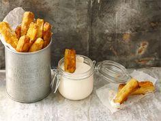 Kotijuustotikut Carrots, Fries, Dairy, Bread, Cheese, Snacks, Vegetables, Recipes, Food