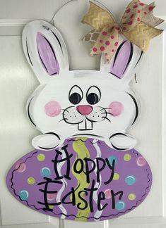 Summer door hangers diy easter bunny 28 new Ideas Easter Crafts, Kids Crafts, Wood Crafts, Easter Paintings, Bunny Painting, Burlap Door Hangers, Diy Ostern, Wood Cutouts, Easter Bunny