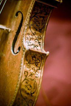 Art on a violin. Very pretty
