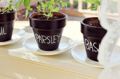 DIY Chalkboard Projects - Any arts and crafts enthusiast looking to add some customizable touches to their home decor are in luck, because these DIY chalkboard projects are . Herb Pots, Plant Pots, Potted Plants, Garden Workshops, Painted Clay Pots, Diy Planters, Indoor Planters, Garden Planters, Diy Chalkboard