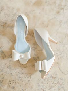Peep toes, bridal shoes, high heels with bow, wedding - Hochzeit Peep Toes, Peep Toe Pumps, Belle Bridal, Shoe Boots, Shoes Heels, Bow Heels, Prom Shoes, Louboutin Shoes, Wedge Shoes